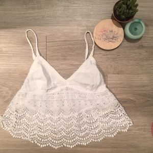 Hollister | White Eyelet CropTop